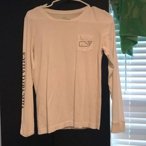 White Vineyard Vines T-shirt